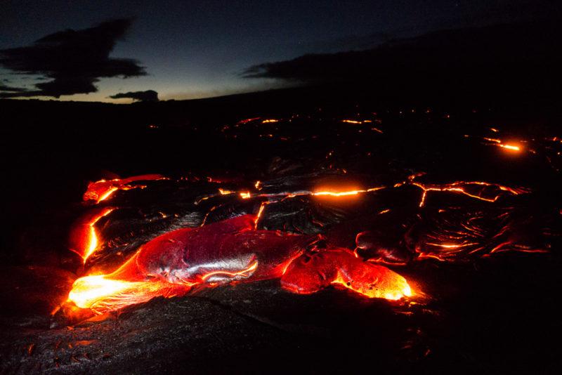 hawaii volcano national park at night