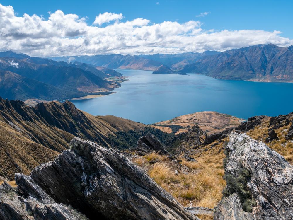 new zealand isthmus peak hike rock view
